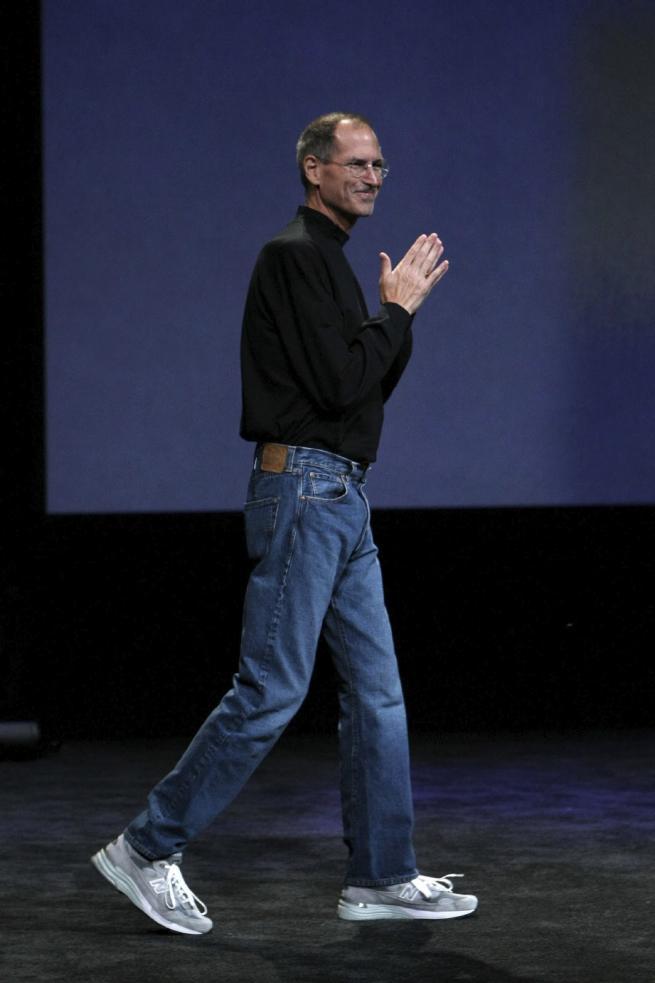 Giustamente Barile individua le origini della moda basic negli anni  90 e  nel movimento grunge 06c659d57eb
